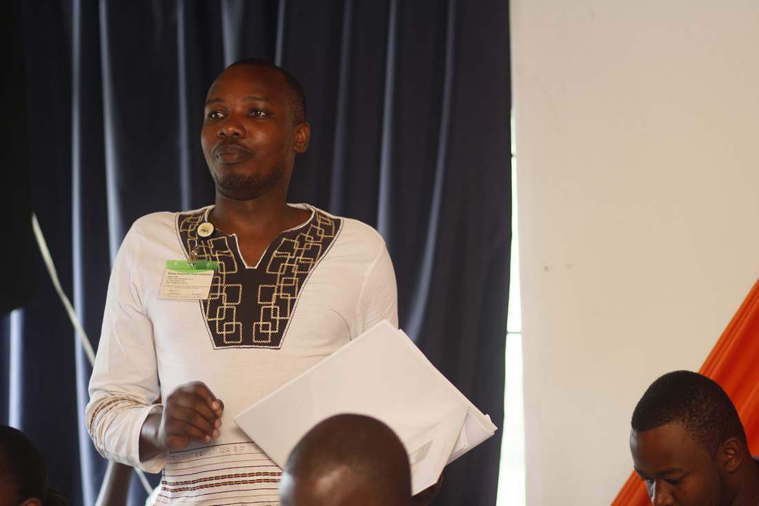 John Riungu, of the greater Nairobi hub, makes a comment during the FCI Senior Management Forum.